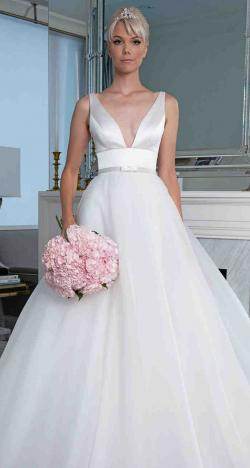 """The """"Legends"""" 2019 Wedding Dress Collection by Romona Keveza"""