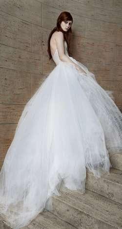 مجموعة فيرا وانغ لفساتين الزفاف لربيع 2015