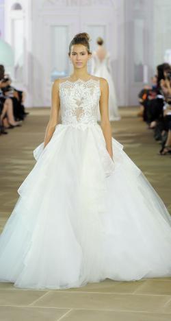 فساتين زفاف إينيس دي سانتو لخريف 2017 في أسبوع نيويورك لأزياء الزفاف