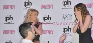 Man Proposes to Girlfriend In Front Of Britney Spears