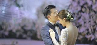 ممثلة تايلندية ترتدي 6 فساتين أعراس لحفل زفافها