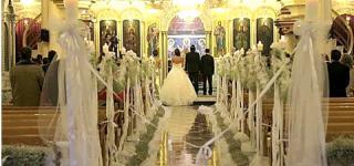 كندة حنا تنشر لأول مرة صوراً لحفل زفافها احتفالاً بعيد زواجها