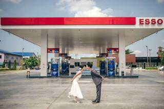 Pictures: A Wedding Photoshoot at a Gas Station