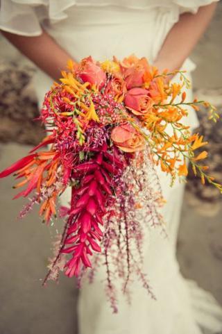 Bridal Bouquet Trend: The Tropical Bunch
