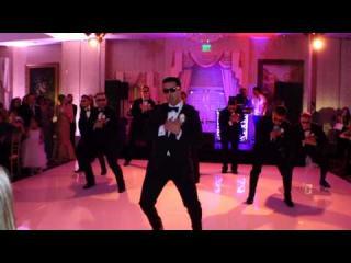 Embedded thumbnail for Groomsmen Do a Surprise Dance for Bride
