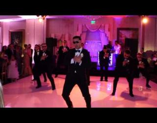 Embedded thumbnail for Groomsmen Do a Surprise Dance for Bride
