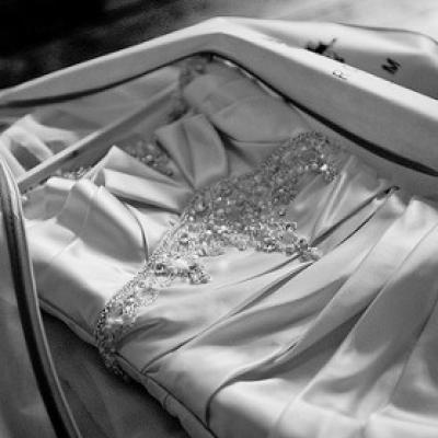 الاحتفاظ بفستان الزفاف