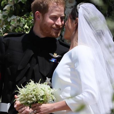 بوكيه ورد للعروس من وحي أزهار ميغان ماركل