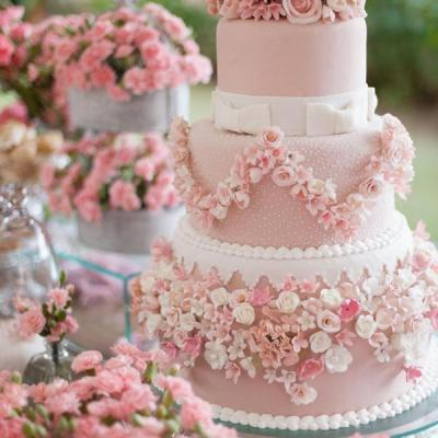 Beautiful Pink and Purple Wedding Cakes