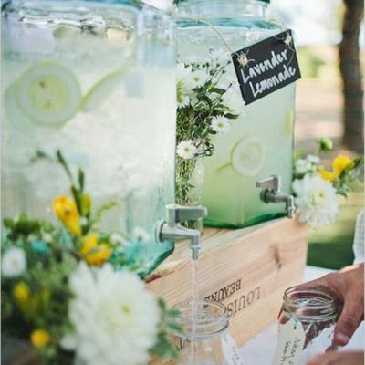 أفكار مشروبات باردة للأعراس الصيفية