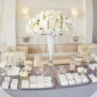 Beautiful Ideas for the Welcome Tables at Weddings