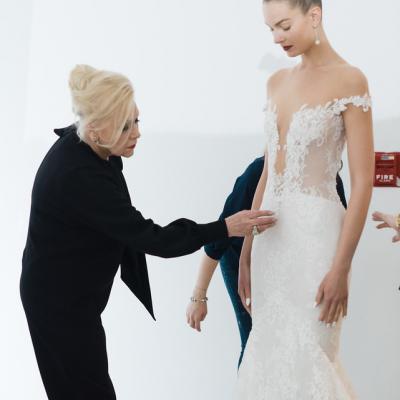 مقابلة حصرية مع مصممة الأزياء إينيس دي سانتو