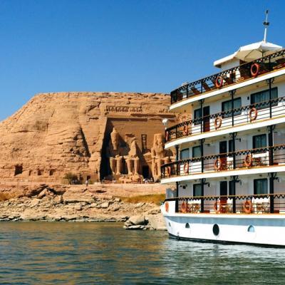 وجهة شهر العسل: رحلة بحرية على نهر النيل