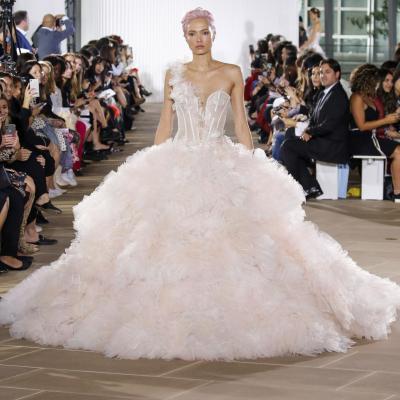 مجموعة فساتين زفاف 2020 من تصميم إينيس دي سانتو