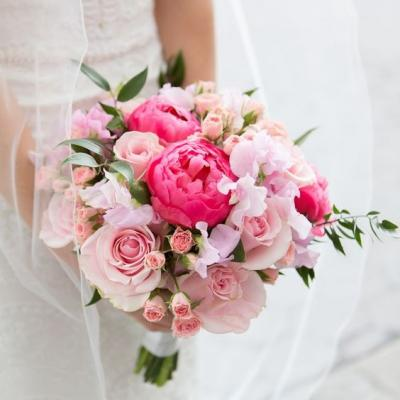 14 Romantic Pink Wedding Bouquets