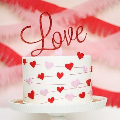 Gorgeous Valentine's Day Inspired Wedding Cakes