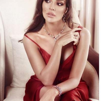 Beautiful Jewelry Pieces Worn by Nadine Njeim