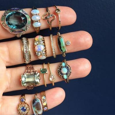 المجوهرات المعتقة البديل الأنيق عن شبكات زواج