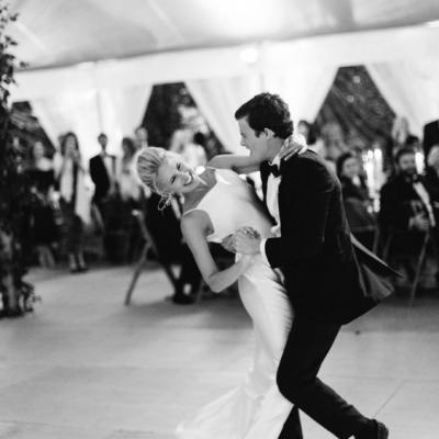 4 نصائح لمساعدتكما في اختيار أغنية الرقصة الأولى