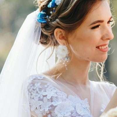 8 اكسسوارات افراح ملونة لتسطعي في ليلة زفافك