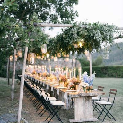 أفكار مميزة لحفلات الزفاف الحميمة في الهواء الطلق