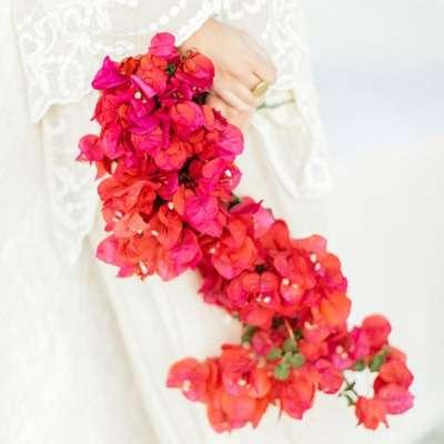 حفل زفاف بثيم أزهار البوغنفيلية