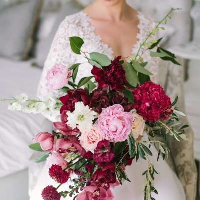 Best Flowers for a Wedding Bouquet