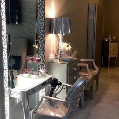 Pompadour Salon
