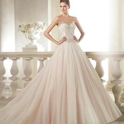 سبونزا لفساتين العرائس