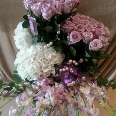 Le Cadeau Flowers