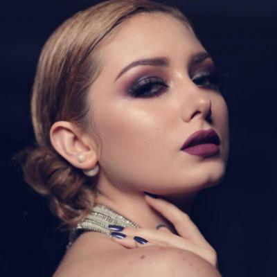 Fatmah ALogaili Makeup artist