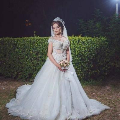 عادل جمال كورنر لفساتين الزفاف