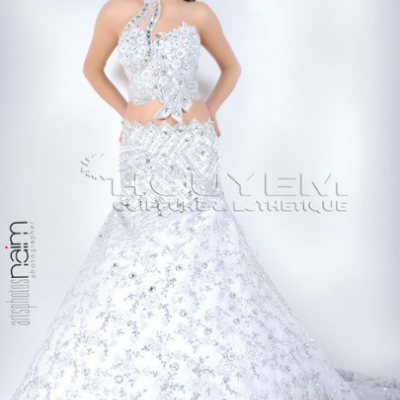 Mme Houyem Zinin Pour les Robes de Mariées