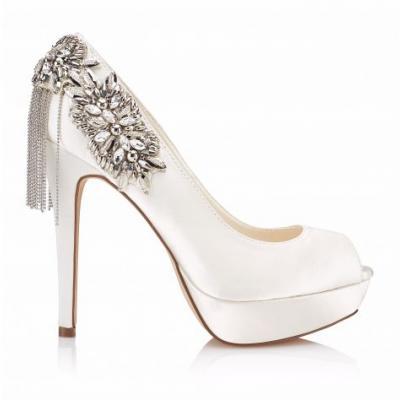 منبور للأحذية والحقائب