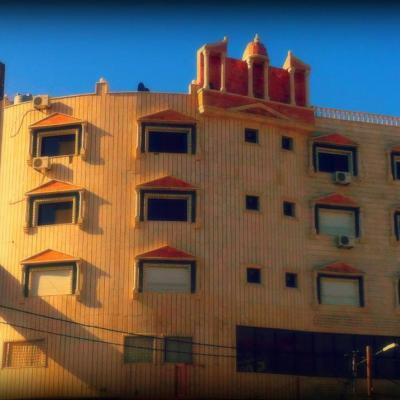 Sara Crown Hotel