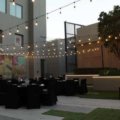 Aloft City Center Deira - Backyard Terrace
