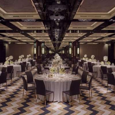 فندق والدورف استوريا - المركز المالي