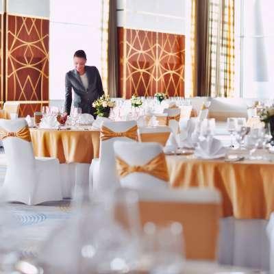 باقة زفاف (لوف لوكد) من جراند بلازا موفنبيك ميديا سيتي