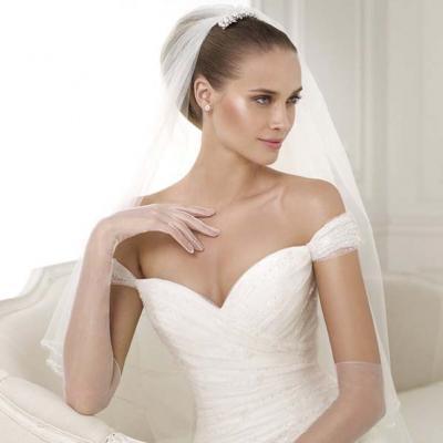 فساتين زفاف بدون اكتاف