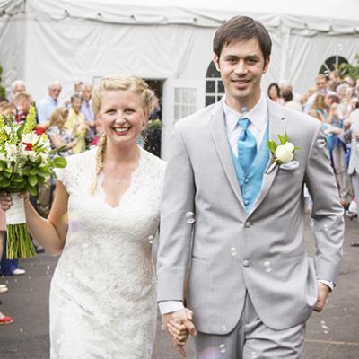 Vogue Magazine Says Modern Weddings Don't Need a Professional Wedding Photographer