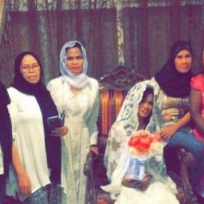 سعودية تفاجئ خادمتها بتنظيم حفل زفاف لها
