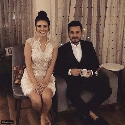 خطوبة المغني التركي باريش يوتشو والممثلة دينيز بايسال