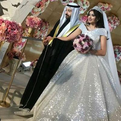 فرح الهادي وعقيل الرئيسي يقيمان حفل زفاف ثاني في عيد زواجهما الأول