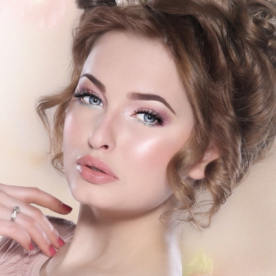 The Best Khaliji Makeup Look for Brides by Warda Al Sowimel