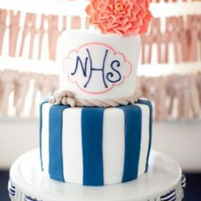 Your Wedding in Colors: Navy Blue and Coral