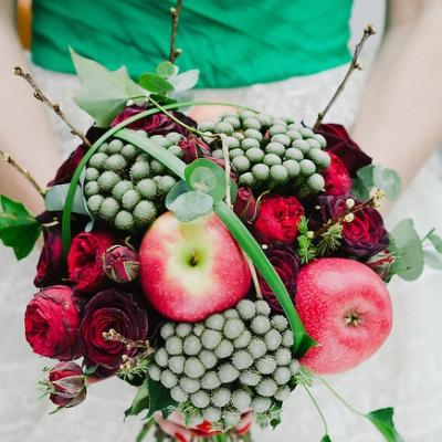 Fruits and Flowers for Your Bridal Bouquet
