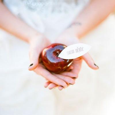 An Apple Wedding Theme