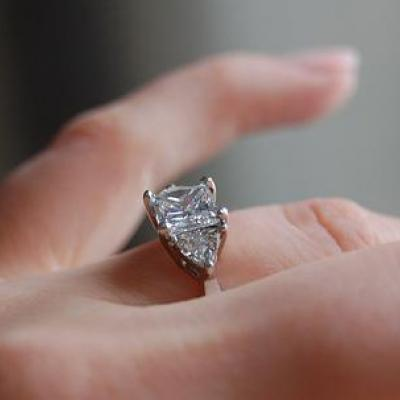 نصائح لتنظيف خاتم الخطوبة في المنزل