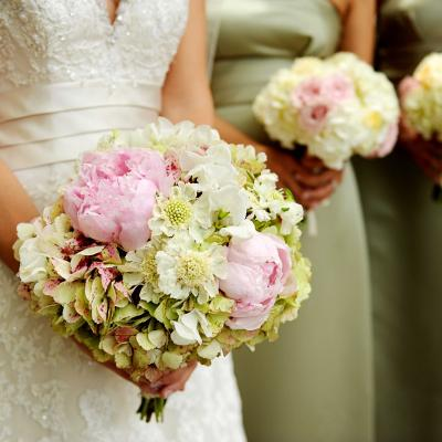 نصائح الخبراء حول أزهار حفل الزفاف