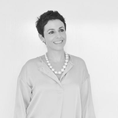 مقابلة مع مصممة الحقائب والاكسسوارات رولا حمادة من جاسمين ناي